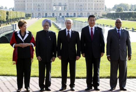 Os cinco líderes dos Brics após reunião em São Petersburgo